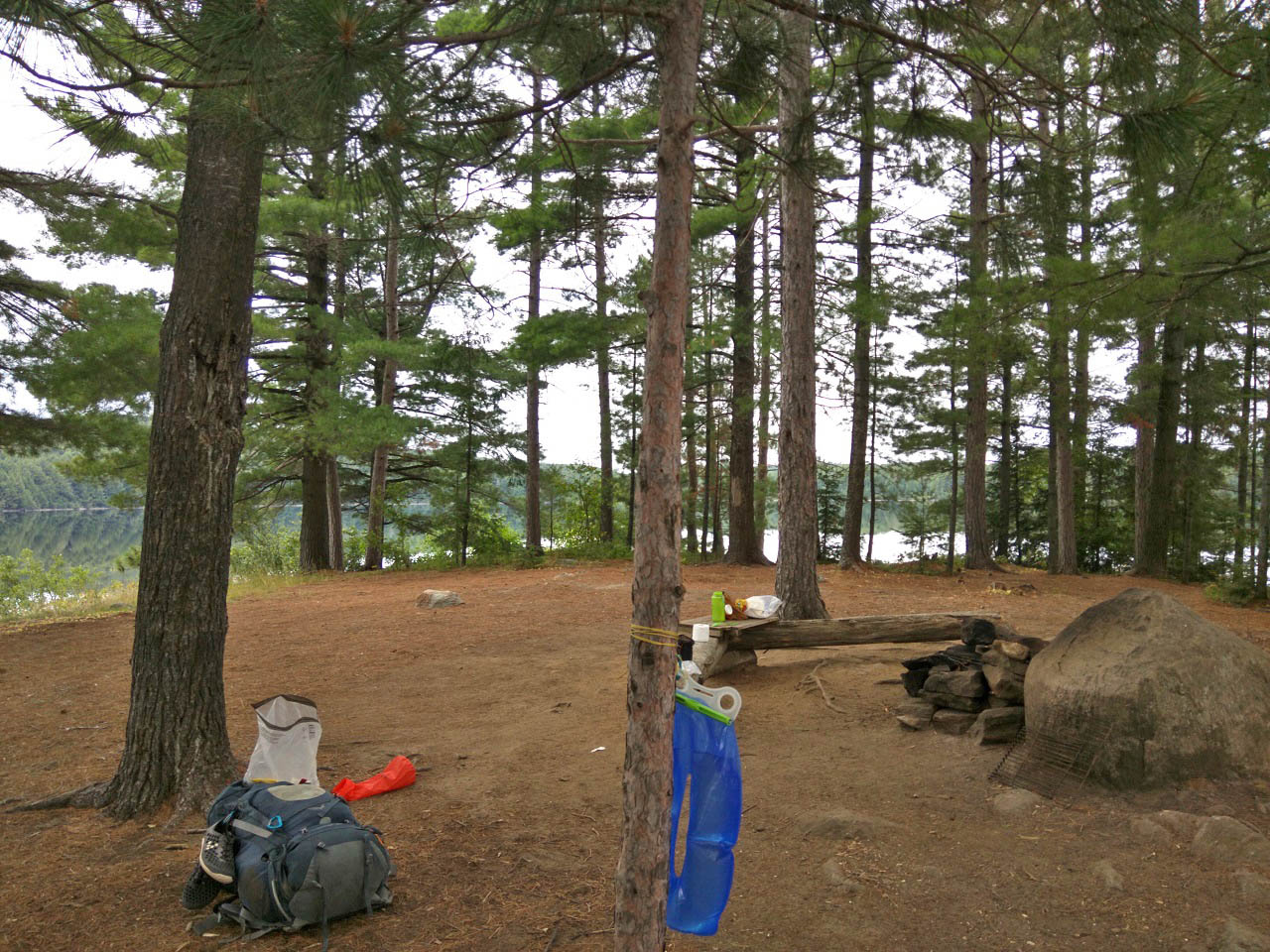 http://www.algonquinadventures.com/PCI/lakes/Manitou/ManitouCS11/pp157.jpg